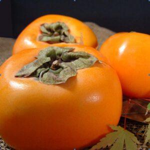 Hồng Hàn Quốc loại quả tượng trung cho mùa thu của người Hàn, có vị ngọt và giòn, nhiều hàm lượng và chất dinh dưỡng.